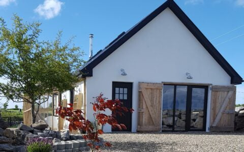 Hillview Cat Lodge - Luxury 5* Cattery / Cat Hotel - Kinvara, Co. Galway